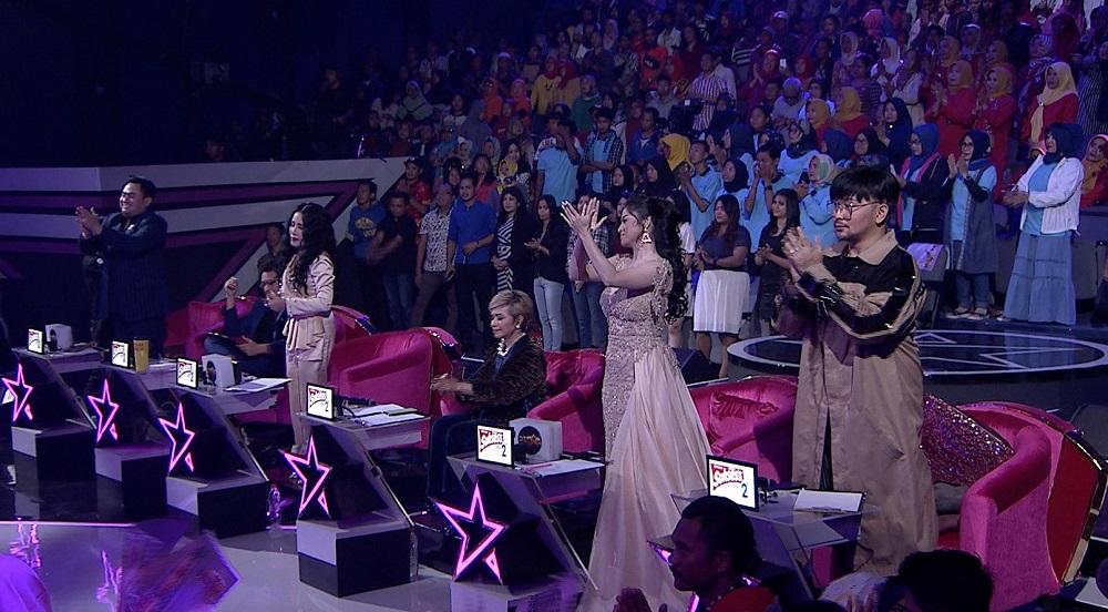 Empat Standing Ovation Dewan Juri Untuk Penampilan Perdana Aulia di Panggung D'Star