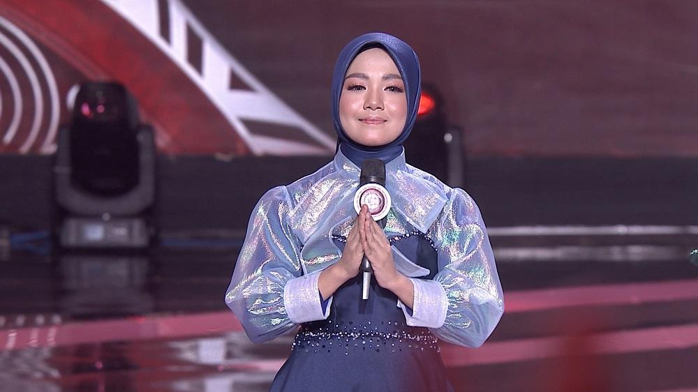 Eva (Nusa Tenggara Barat) Membuka Kompetisi Dengan Lagu 'Perpisahan'
