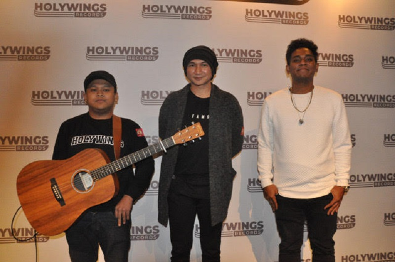 holywings1