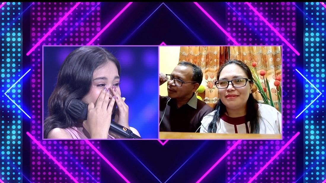 Chelsea (Ruteng) Menangis Saat Dikejutkan Dengan Video Call Dari Mama Dan Papa Yang Dirindukannya
