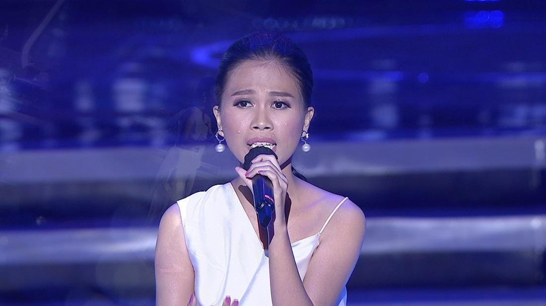 """Jessy (Manado) """"Karena Ku Sanggup"""" Raih 1 Standing Ovation"""