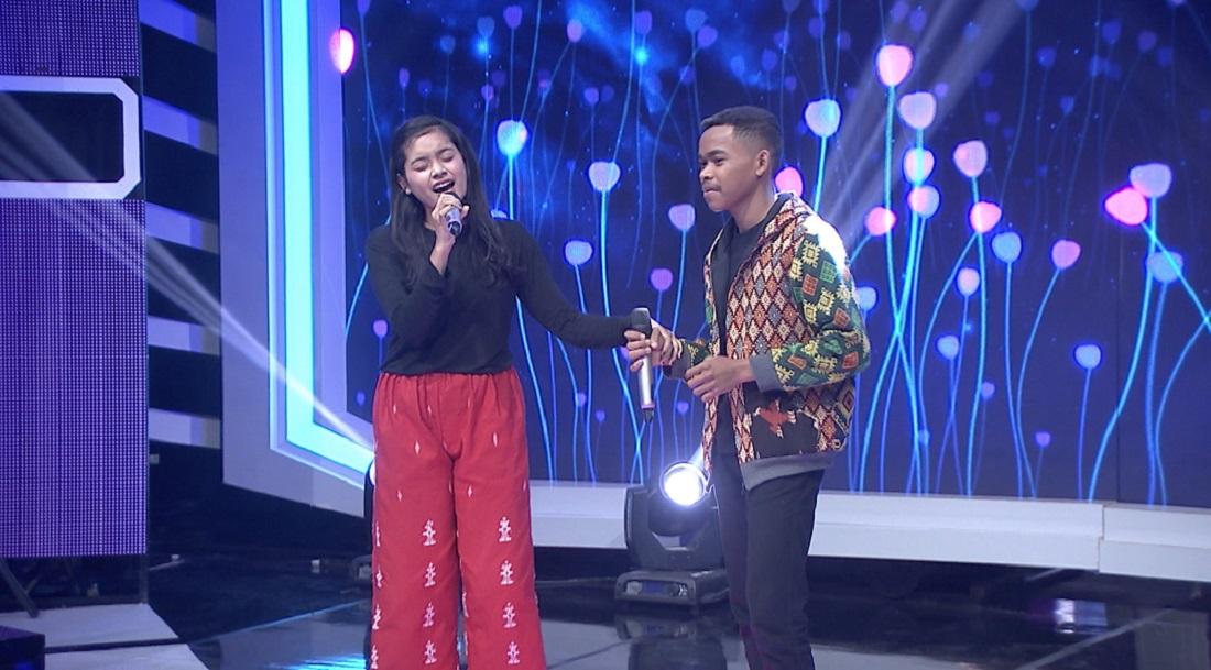 Kakak beradik Astuti dan Adi Putra Bili Kariam (Nusa Tenggara Timur) Berhasil Mendapatkan Platinum Card Ke Top 40 Pop Academy