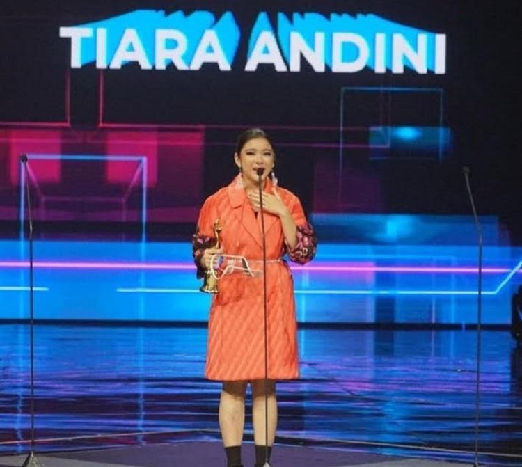 ami2-tiara andini