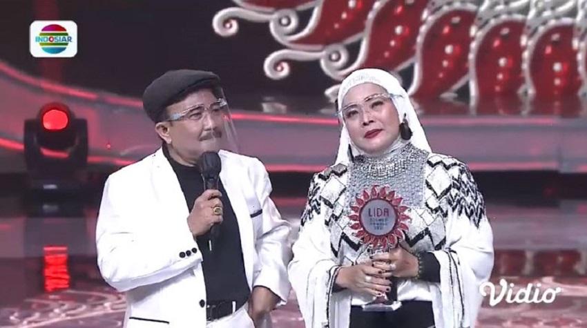 Alik Ababil dan Yunita Ababil-01